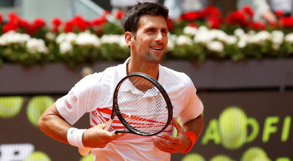 Djokovic y Federer avanzan en madrid