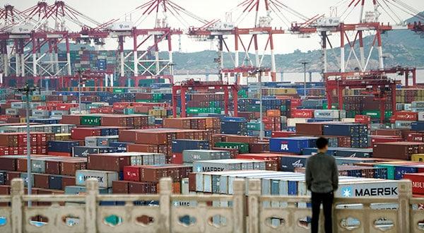 El Servicio de Aduanas y Protección Fronteriza impuso este viernes un nuevo arancel del 25 por ciento sobre más de 5 mil 700 categorías de productos procedentes de China.