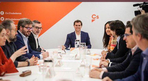 Ciudadanos se desmorona por no negociar la investidura de Pedro Sánchez