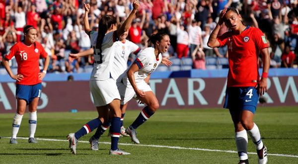 Carli Lloyd celebra su primer tanto ante Chile