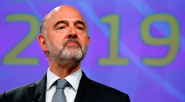 Pierre Moscovici dejó claro que Italia debe enderezar su rumbo económico.