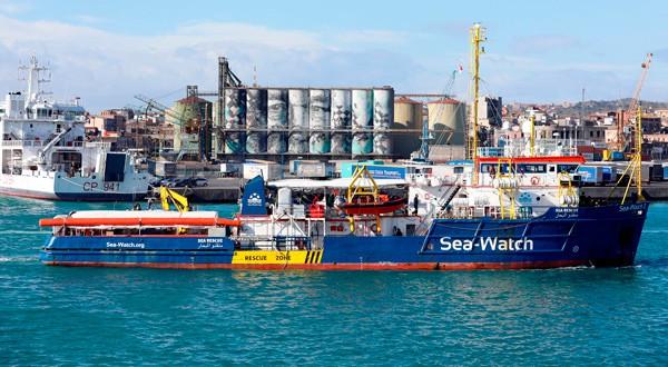 El barco 'Sea Watch 3' es famoso por rescatar migrantes africanos en el Mediterráneo.