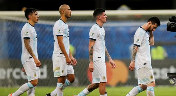 Argentina debuta con derrota en la Copa América por primera vez desde 1976