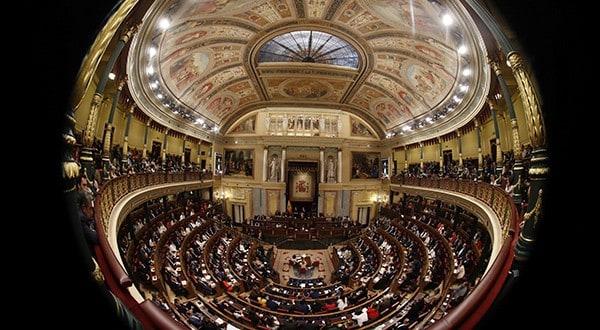 Mesa del Congreso dictaminó que no reducirá el número de escaños, pese a la suspensión de los independentistas