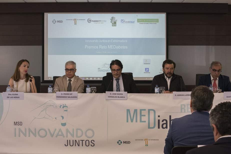 En la ceremonia para anunciar al ganador del Reto participaron representantes de todas las entidades colaboradoras en el proyecto.