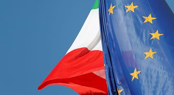 Al finalizar 2018 la Comisión Europea rechazó el presupuesto presentado por el Gobierno de Italia, esgrimiendo que no recortaría la elevada deuda de este país.
