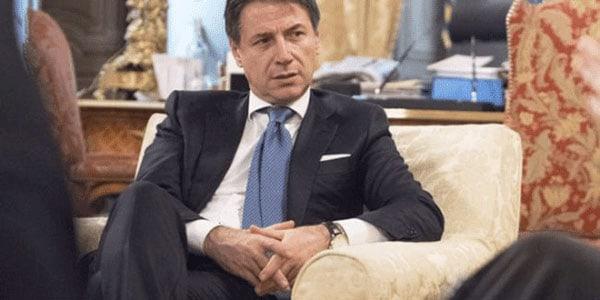 Para el primer ministro italiano Conte, un procedimiento sancionador de la UE podría exponer a la nación a los vaivenes del mercado y a una posible rebaja de la calificación crediticia, lo cual le dificultaría al Gobierno venda su deuda.