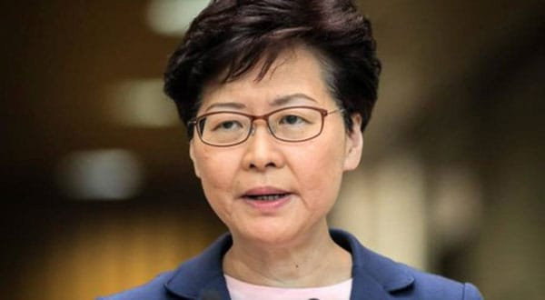 Los manifestantes formulan nuevas exigencias, ahora incluso la dimisión de la propia gobernadora Carrie Lam y la realización de una reforma democrática del sistema de elección del jefe de gobierno.