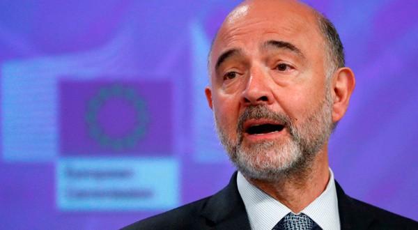 Pierre Moscovici, comisario europeo, destacó la rectificación italiana.