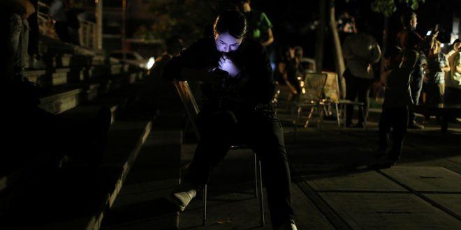 La oscuridad se ha apoderado del día a día de las ciudades y pueblos de Venezuela