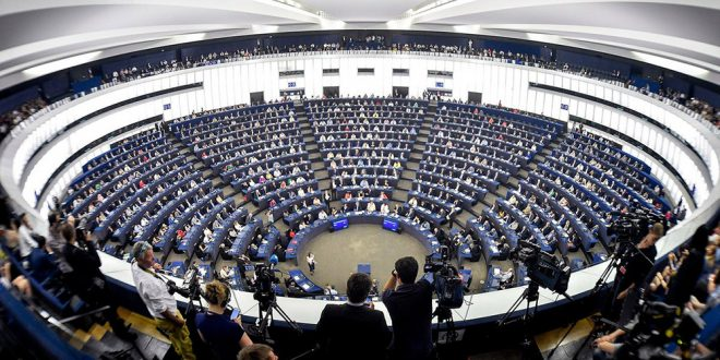 Parlamento Europeo culpa a Maduro de la violencia contra la transición democrática y pide más sanciones
