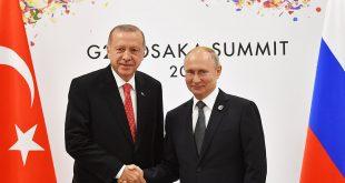 En 2017, Erdogan y Putin suscribieron el convenio sobre la adquisición del sistema de defensa ruso S-400 que comenzó a llegar a Turquía, en contra de las normas de la OTAN