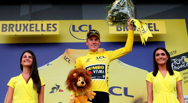 Mike Teunissen se quedó con la primera etapa del Tour de Francia.