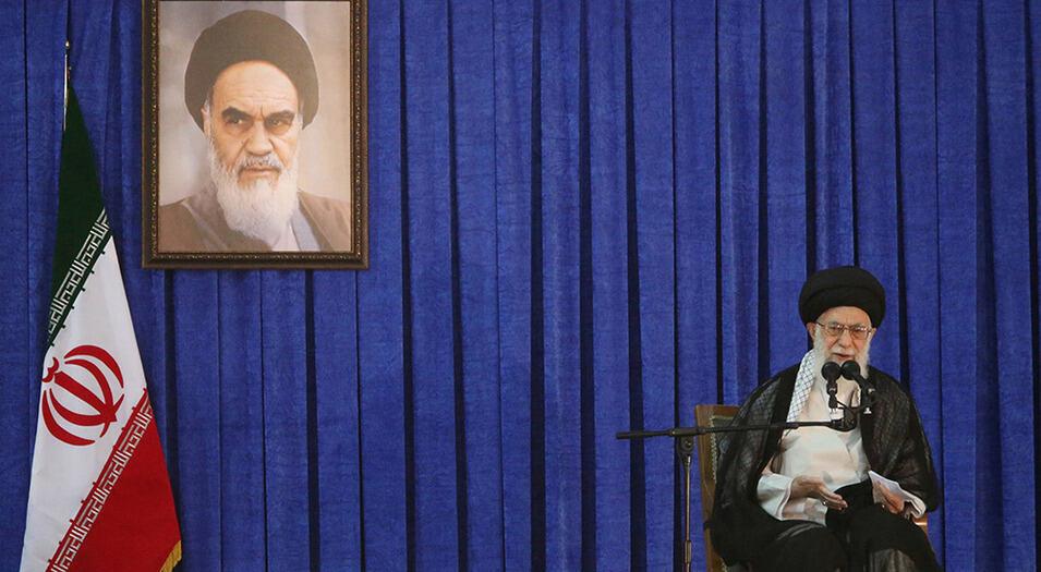 El líder supremo de Irán, Alí Jamenei, es centro de llamados internacionales a resolver tensiones por la vía diplomática