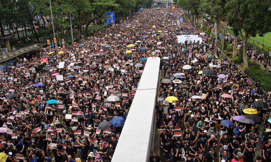 El fin de semana miles de personas continuaron sus protestas en las calles de Hong Kong por quinta semana consecutiva.