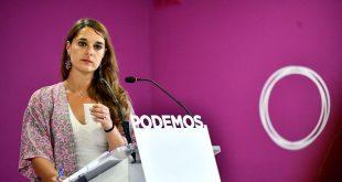 La portavoz de Podemos Noelia Vera anunció en rueda de prensa el lanzamiento de la consulta a las bases sobre el rumbo que deberá tomar el partido en el debate y la votación de investidura previstos para los días 22 y 23 de julio.