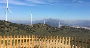 El proyecto de la CNMC propone que el reparto del coste de las redes entre los consumidores se haga en función de la energía y la potencia que demandan.