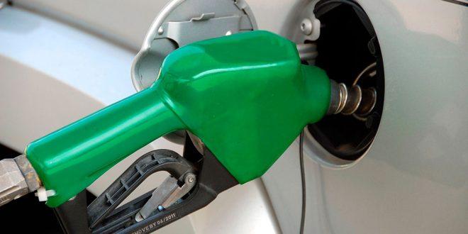 Prohibir la venta de coches de combustión
