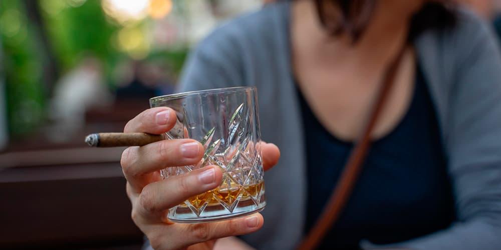 Sanidad endurecerá controles por consumo de tabaco y alcohol. Según ministra María Luisa Carcedo restricciones deben alcanzar a vapeadores/Pixabay