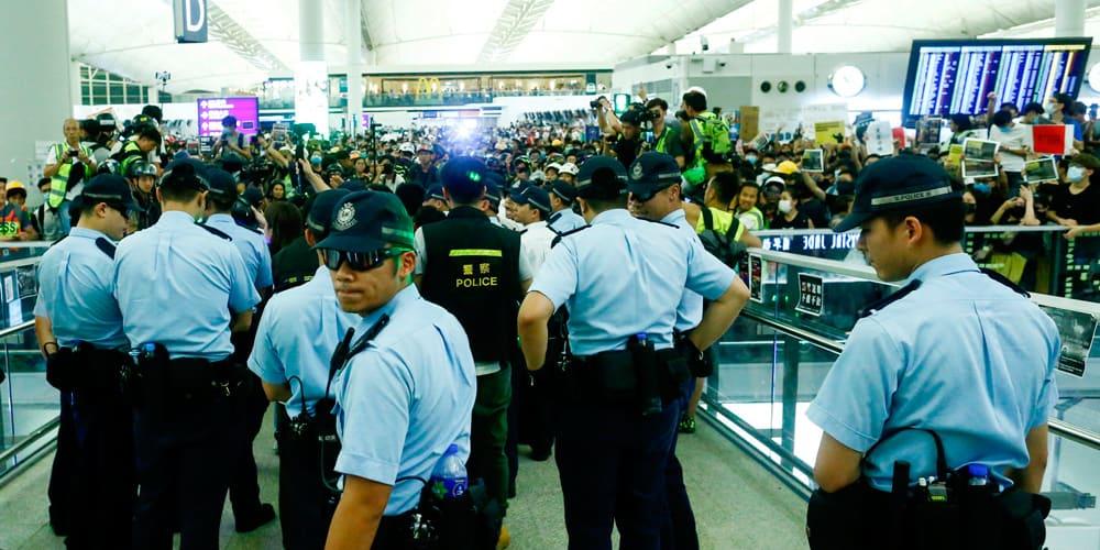 Se han presentado numerosos choques en el Aeropuerto Internacional de Hong Kong.