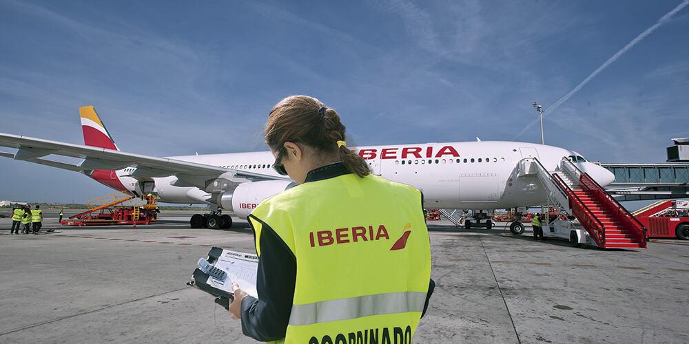 Vueling continúa cancelando vuelos por huelga de trabajadores de Iberia