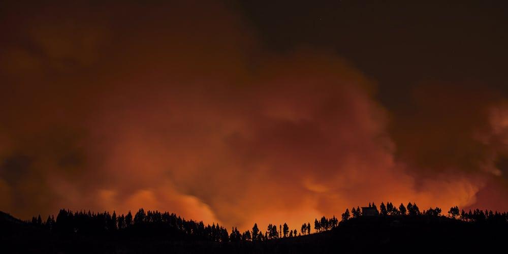 Incendio en Gran Canaria obligra la evacuación de dos mil personas