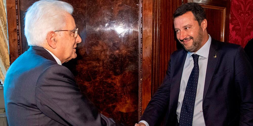 El presidente Sergio Mattarella (izquierda) ha sostenido reuniones con representantes de todos los partidos italianos.