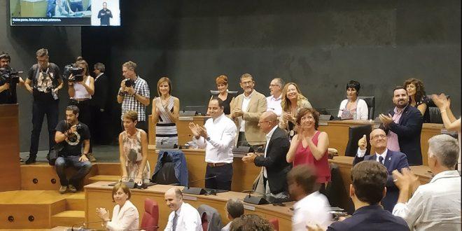 María Chivite es investida como presidenta de Navarra con la abstención de EH Bildu
