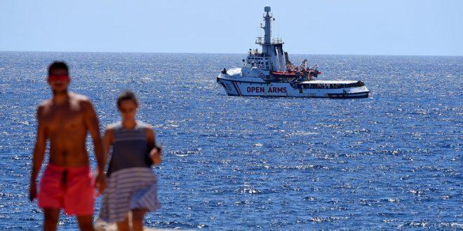 España responsabiliza a Open Arms de alargar incertidumbre sobre migrantes