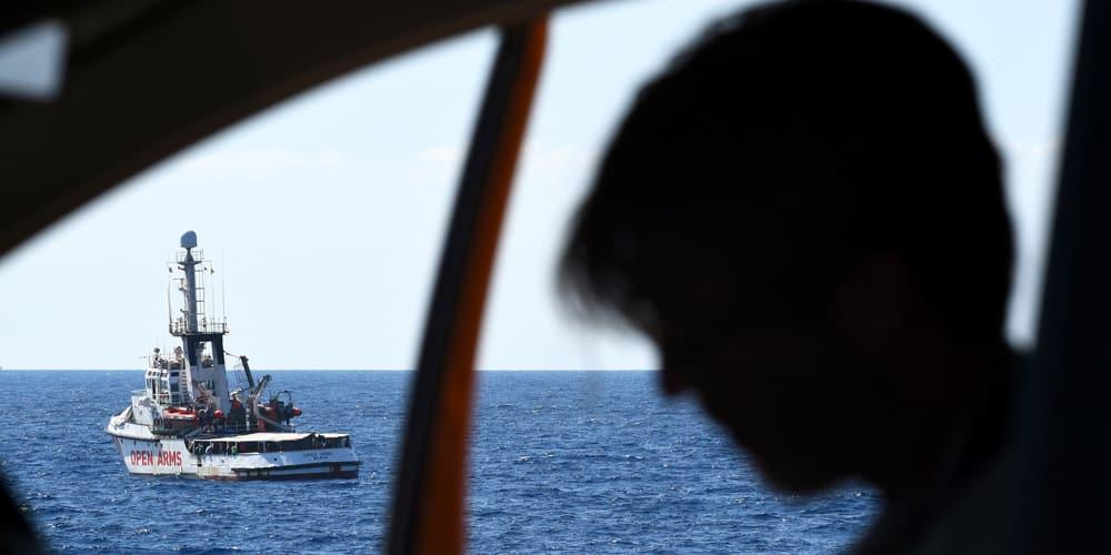 El Open Arms, sin migrantes rescatados, tendrá que quedarse en Italia dos semanas más en el marco de la investigación
