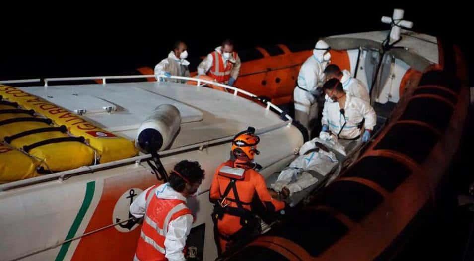 El barco ha estado en el mar desde el 2 de agosto y ahora está en algún lugar entre Lampedusa y Malta