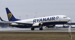 Operadores de cabina de Ryanair convocan huelga para el mes de septiembre