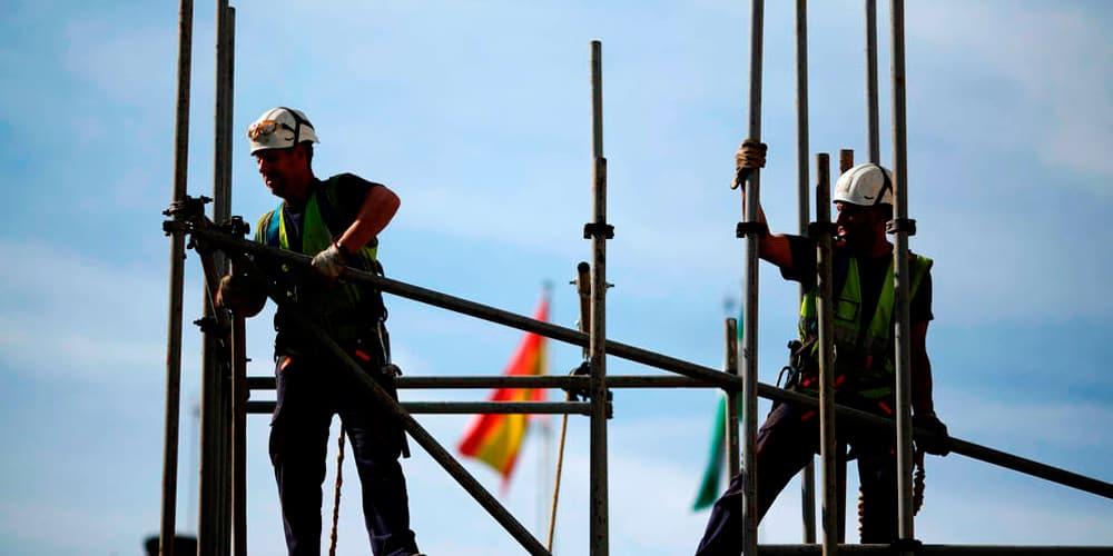 74.000 empleados no son remunerados por trabajar tiempo extra en España.
