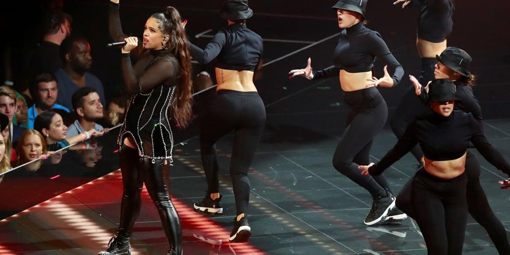 Rosalía durante su presentación en los MTV Video Music Awards 2019