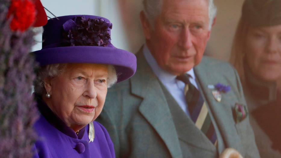 Isabel II aprobó a última hora el bloqueo total de un Brexit duro.