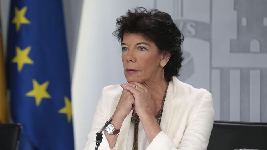 Isabel Celaá, ministra de Educación en funciones y portavoz del gobierno, advirtió sobre la aplicación del artículo 155 en Cataluña