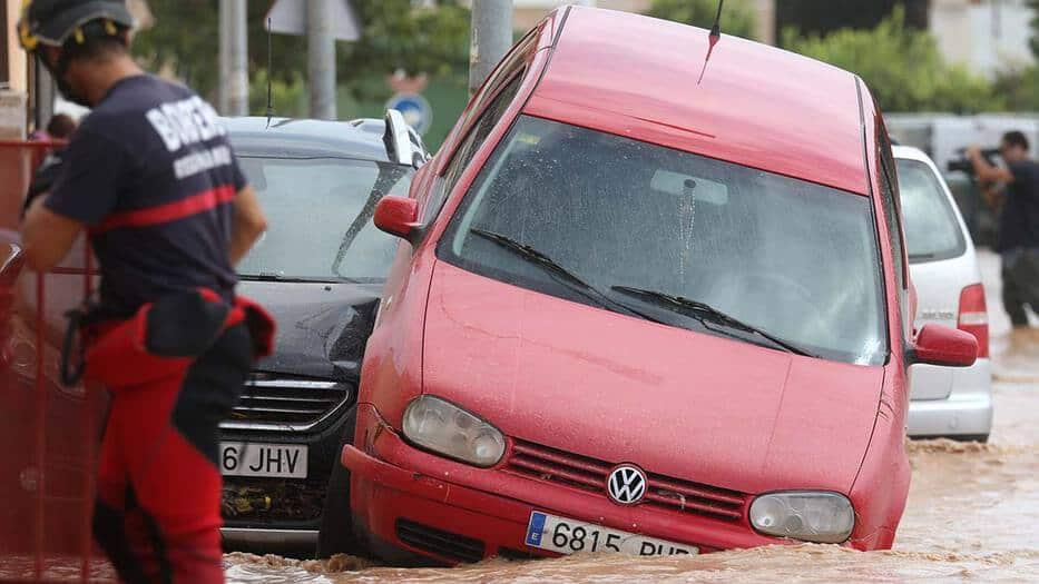 Todavía se mantienen 16 provincias en situación de alerta, especialmente las de Alicante y Valencia, donde hay aviso rojo (riesgo extremo).