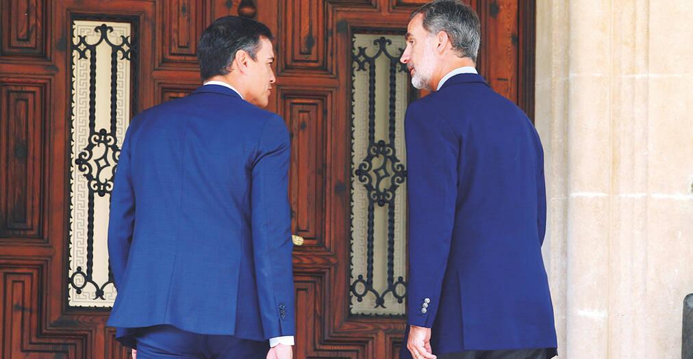 """La vicepresidenta del Gobierno, Carmen Calvo, ha incidido en que el presidente en funciones, Pedro Sánchez, no es candidato a un nuevo proceso de investidura como presidente del Gobierno, para lo que debe ser propuesto por el Rey """"si ha lugar"""". El 23 de septiembre es la fecha tope para disolver las Cortes."""