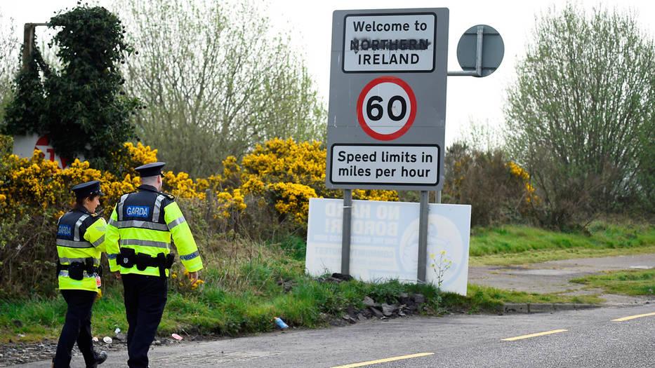La cuestión de la frontera irlandesa es un quebradero de cabeza para Londres y Bruselas.