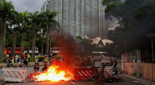 Violentas protestas en Hong Kong