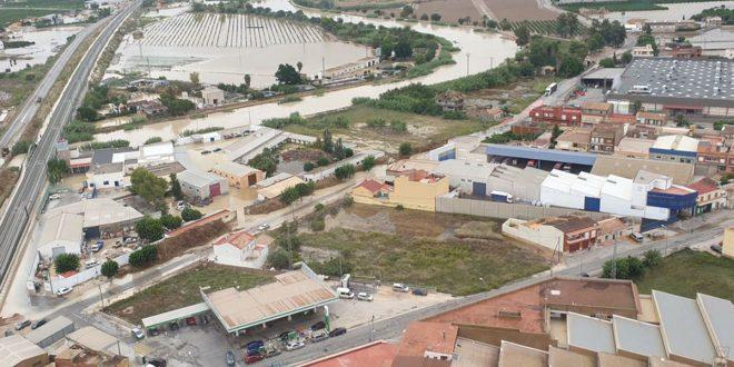 """Los daños materiales aún están por cuantificarse y las autoridades de Murcia solicitan declarar al sureste español como """"zona catastrófica""""."""