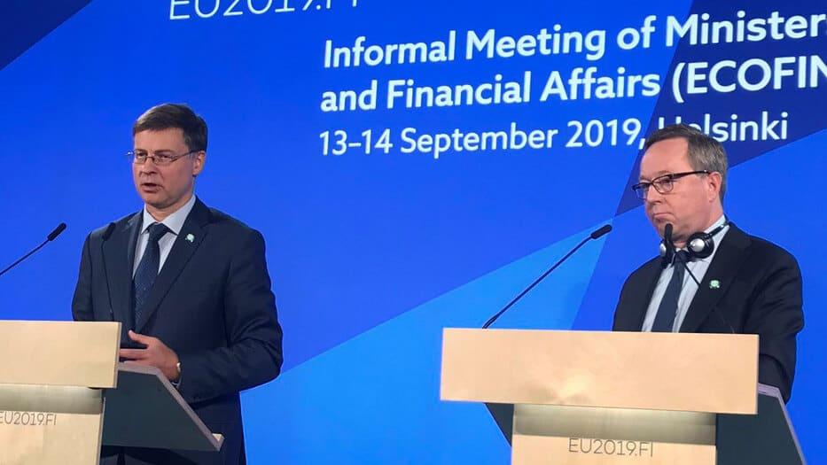 Valdis Dombrovskis, vicepresidente de la Comisión Europea para el Euro, expresó que se se precisan otras más discusiones sobre el tema de la aplicación de impuestos energéticos en la UE.