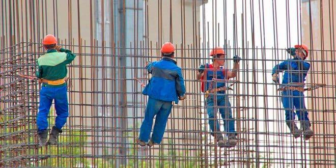 Conforme al balance del Ministerio del Trabajo, en el sector Construcción, durante agosto el paro se redujo en 11.365 personas (4,54%).