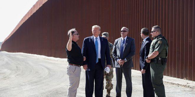 Trump visitó y supervisó obras de construcción del muro fronterizo