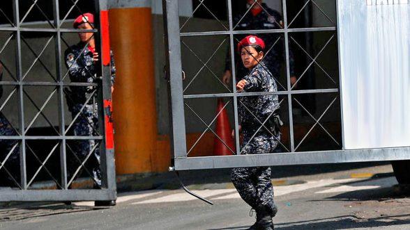 Funcionarios de las policías Sebin y Dgcim de Venezuela fueron sancionados por tortura y otras violaciones de derechos humanos.
