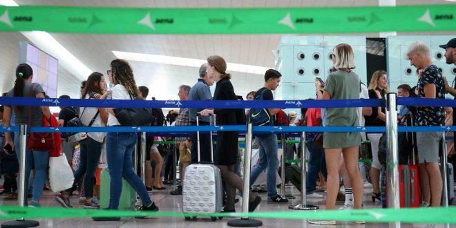 Aeropuerto de El Prat continúa con la huelga de trabajadores de tierra de Iberia