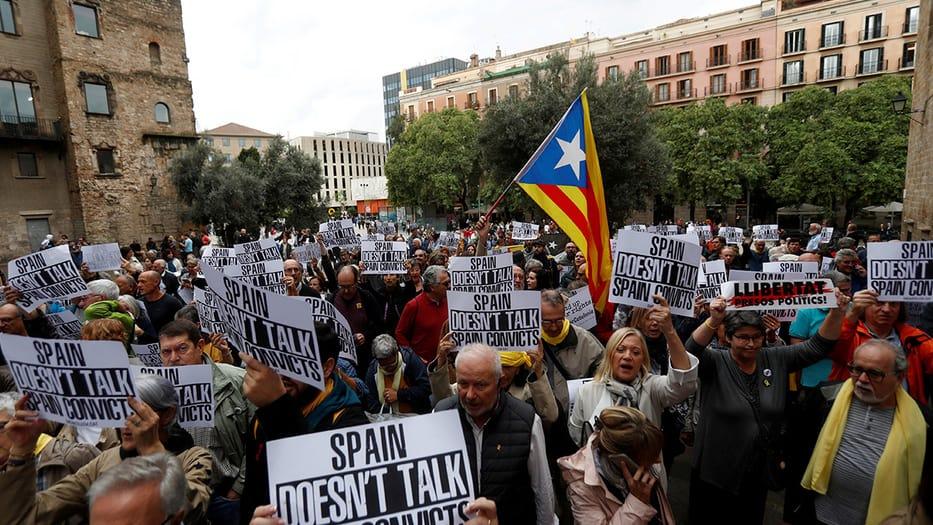 Para el presidente del Supremo, Carlos Lesmes, los derechos a la protesta y a la libertad de expresión están garantizados, porque en España hay democracia