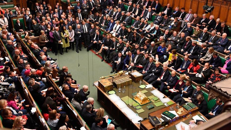 El Parlamento británico deberá decidir este lunes si aprueban o no el nuevo acuerdo para el Brexit.
