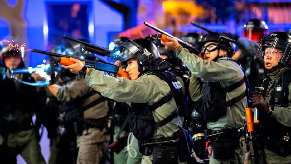 La violencia en las calles hongkonesas se ha intensificado.