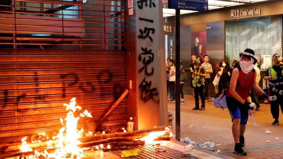 Las calles de Hong Kong volvieron a encenderse este domingo.